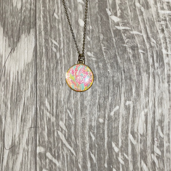 LILLY PULITZER NECKLACE!